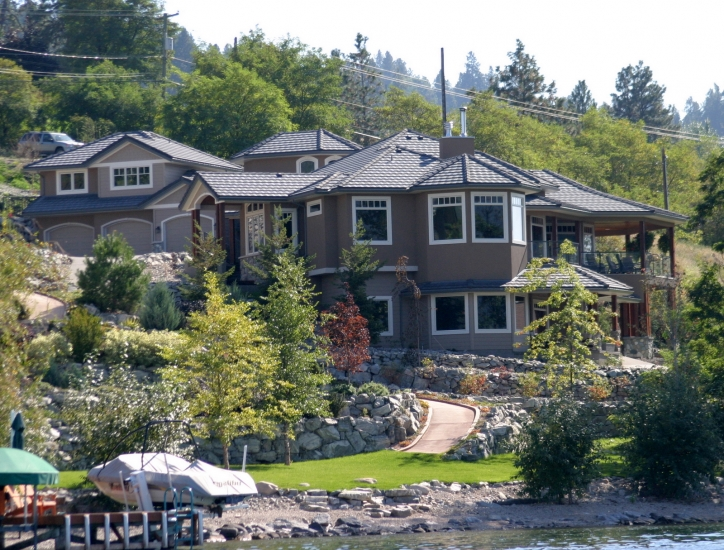Rock Point homes in the Okanagan. Gold Georgie Winner for Parsons Family Homes