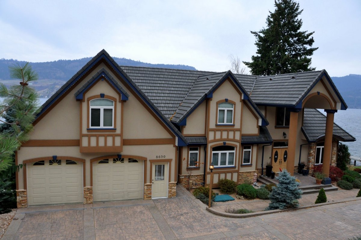 Okanagan lake homes, new build, Parsons Family homes