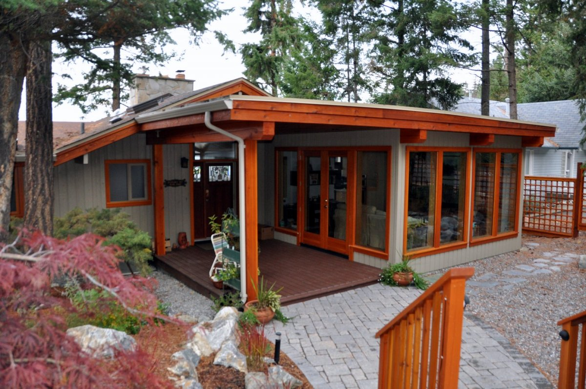 okanagan panabode home renovation sunroom addition and