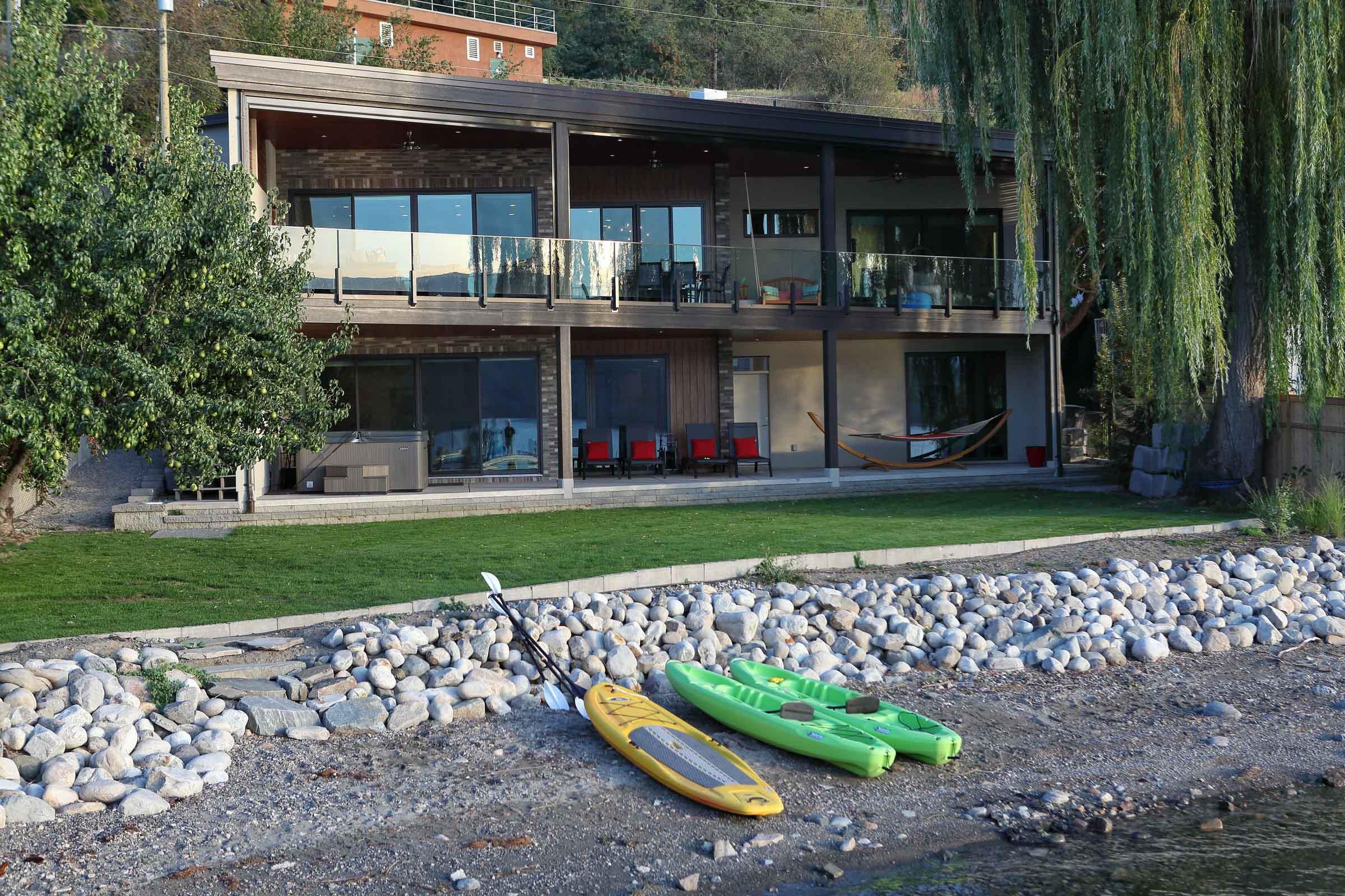 West Coast Contemporary Lakehouse on Okanagan Lake in Lake Country, BC