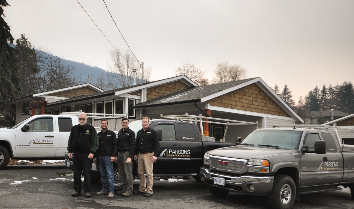 parsons family homes crew, about parsons family homes, north okanagan home builder,
